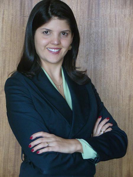 Dra. Thais Riedel