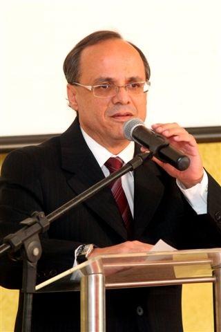 Dr. Carlos Henrique Bezerra Leite